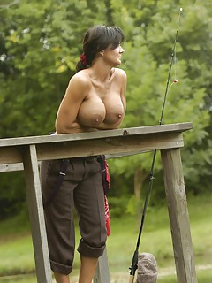 Mature Outdoor Pics